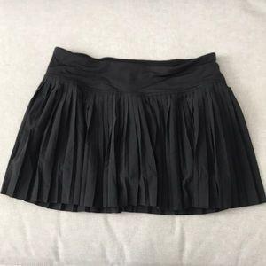 Lululemon size 4 black skirt
